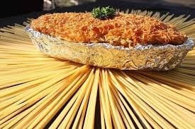 Macaroni panggang merupakan makanan yang wajib dibeli ketika sedang di kota bogor