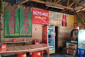 Soto Mie Mang Ohim merupakan tempatnya soto mie yang harus dikunjungi