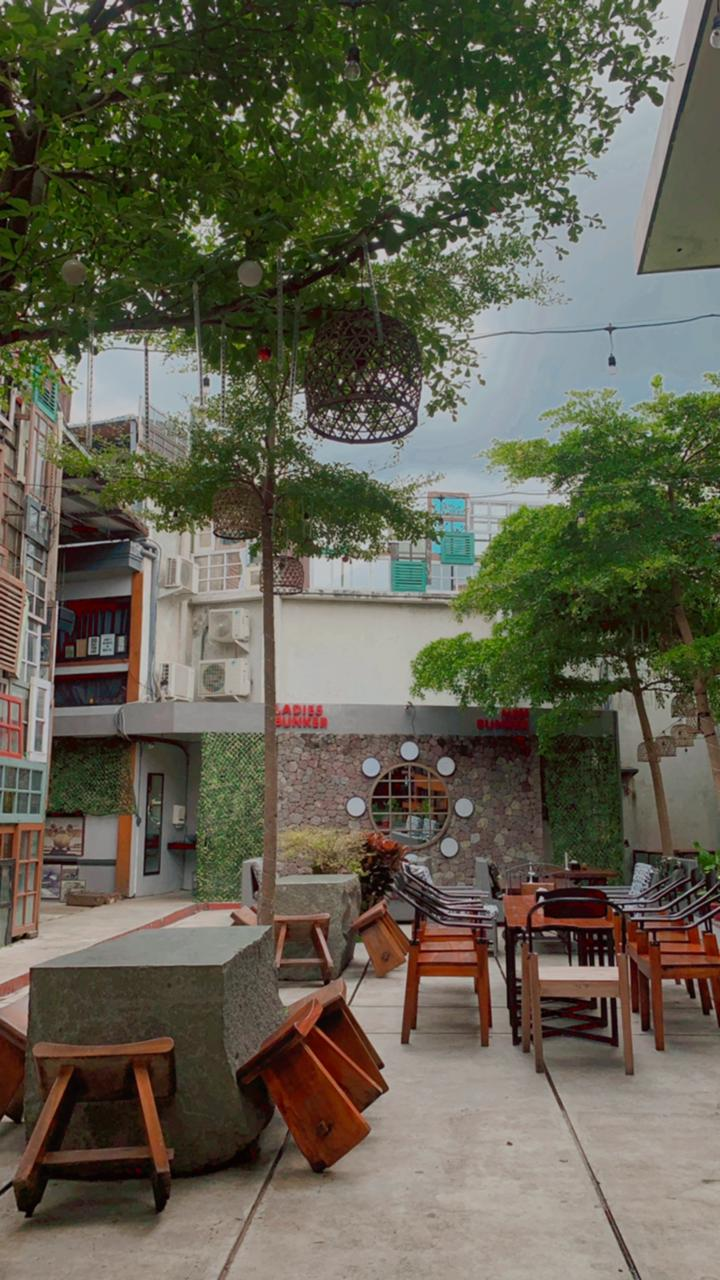 Cafe Instagramable di Bandung : District Cafe Dago